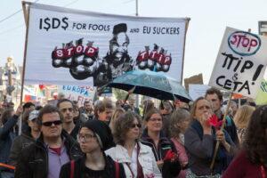 Demonstratie tegen TTIP op 10 oktober 2015